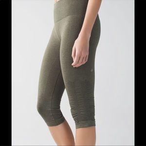 Lululemon | Gray Crop Side Rouched Leggings 4